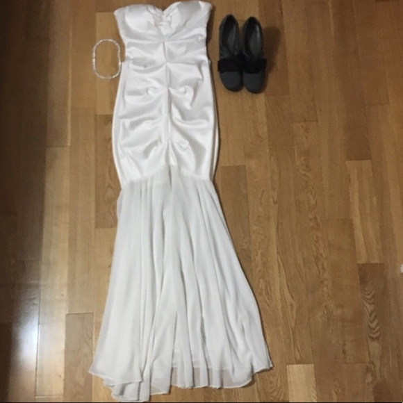 acc91851249 WHITE RUCHED WEDDING DRESS SIZE 4 💥